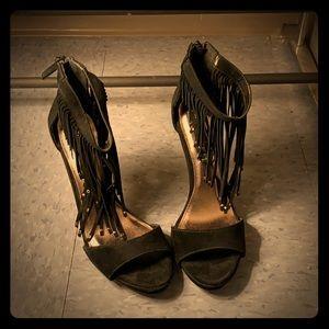 New Steven by Steve Madden Black Fringe Shoes!